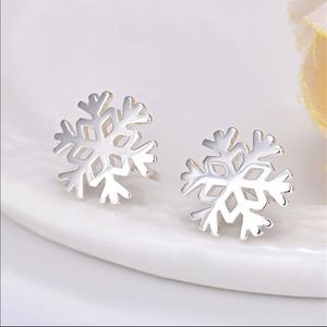 Jewelry - Sterling Silver 925 Snowflake Stud Earrings